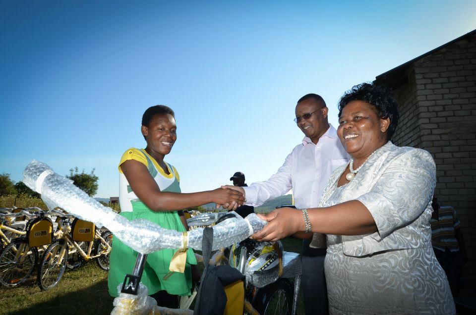 Qhubeka bike handover